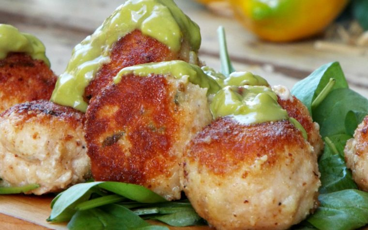 Polpettine di pollo con salsa al guacamole