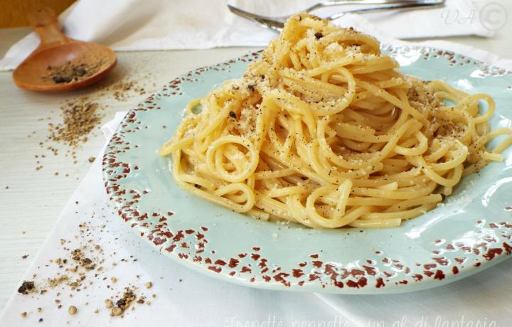 Spaghetti cacio e pepe |Ricetta romana
