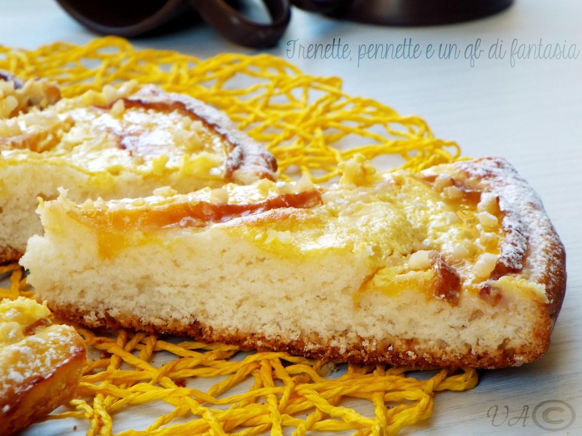 Crostata morbida con formaggio e pesche