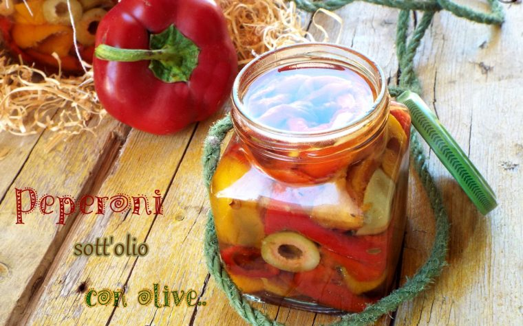 Peperoni sott'olio con olive