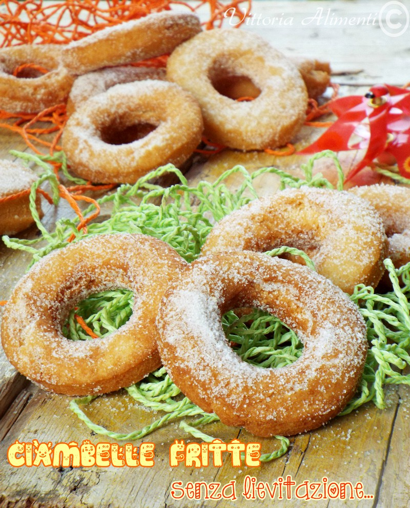 Ciambelle fritte senza lievitazione
