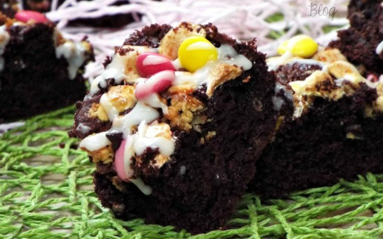Brownies cioccolato con marshmallow e smarties
