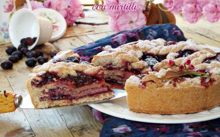 Crostata a strati con mirtilli