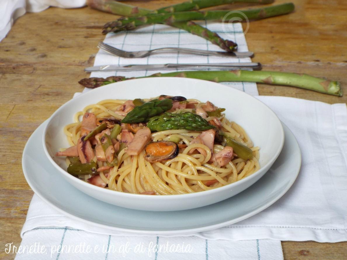 Spaghetti al mare con asparagi