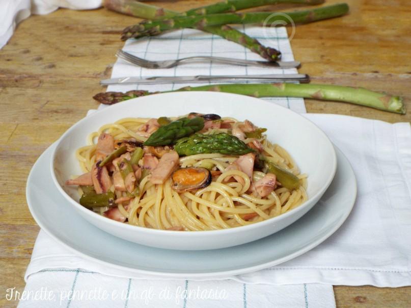 Spaghetti Al Misto Mare Con Asparagi Trenette Pennette E Un Qb Di