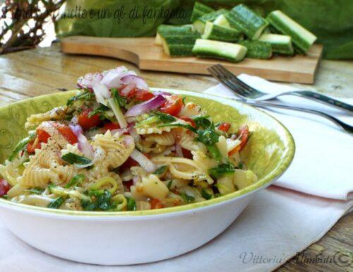 Pasta mista alla crudaiola pomodoro zucchine e rucola