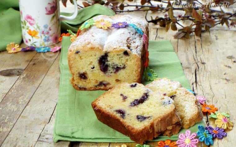 Plumcake ai mirtilli e lemon curd