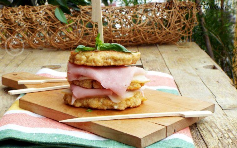 Sandwich di frittatine al pangrattato farcite