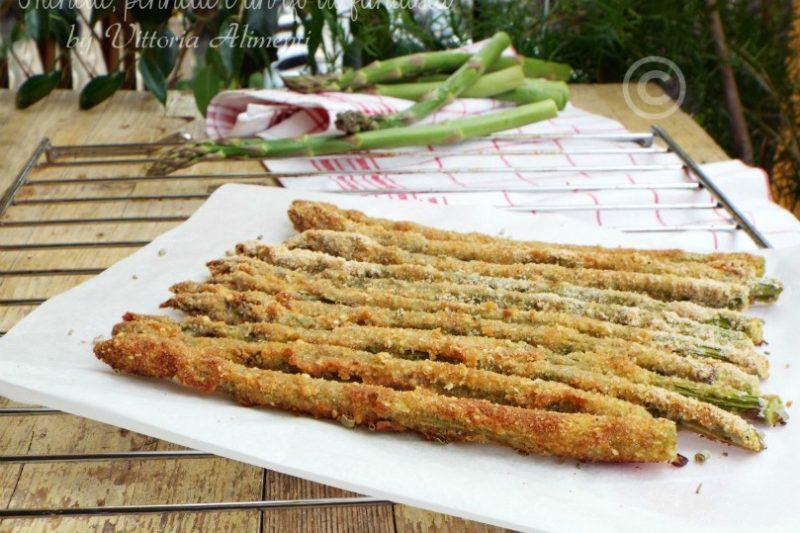 Asparagi gratinati al parmigiano e aglio