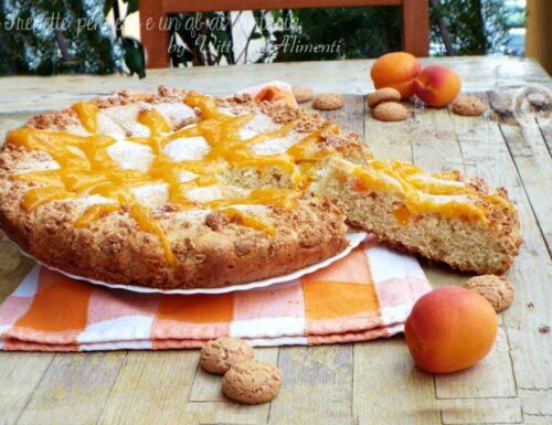 Crostata morbida con albicocche e amaretti