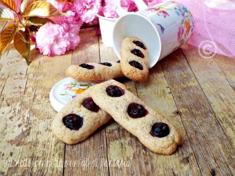Biscotti alla panna con mirtilli