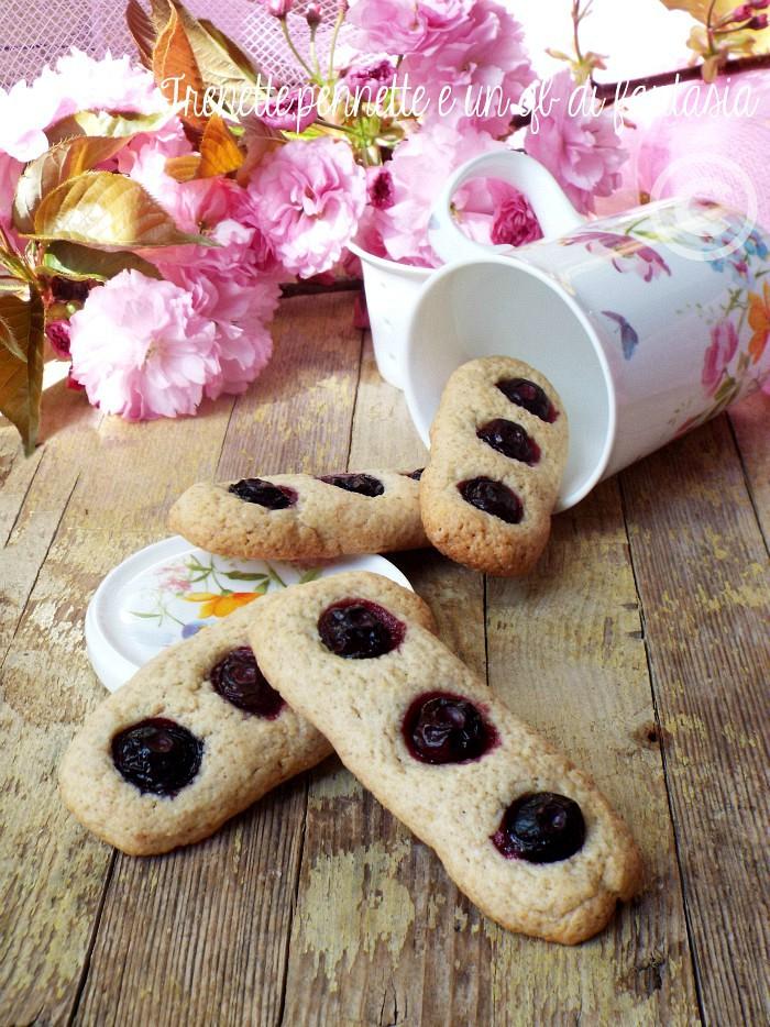 Biscotti panna e mirtilli