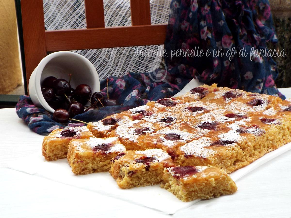 Torta rovesciata ciliegie