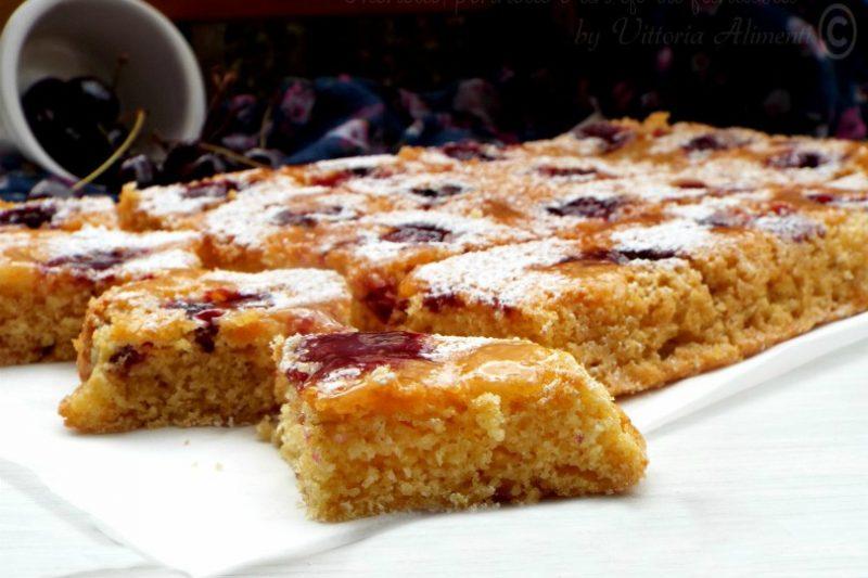 Torta rovesciata di ciliegie