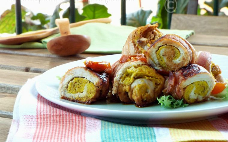 Involtini ripieni in crosta di bacon