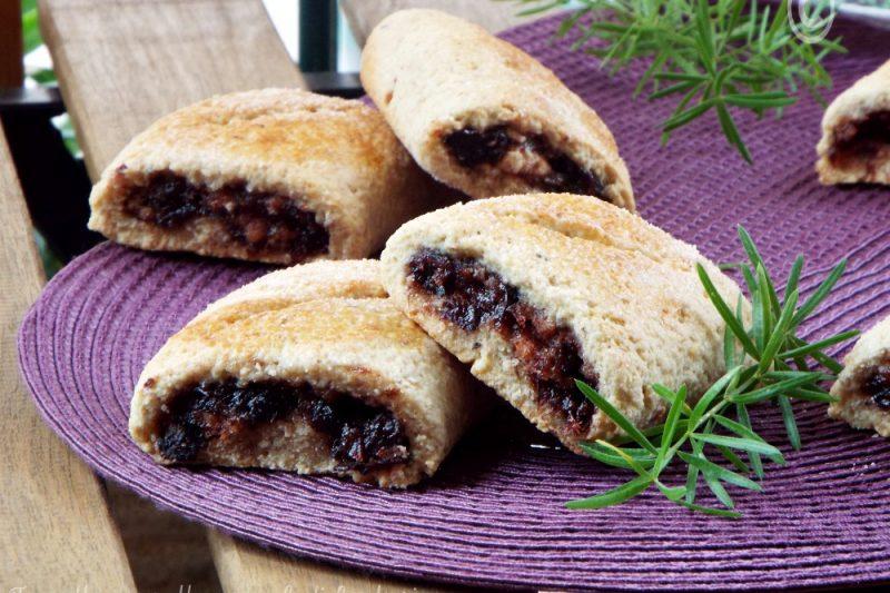 Biscotti di nocciole con marmellata