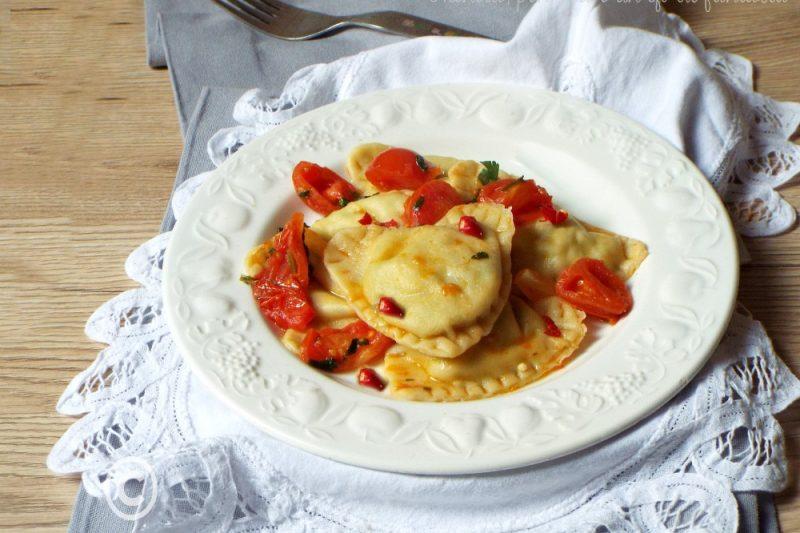 Cuori di pasta con pomodorini e rucola