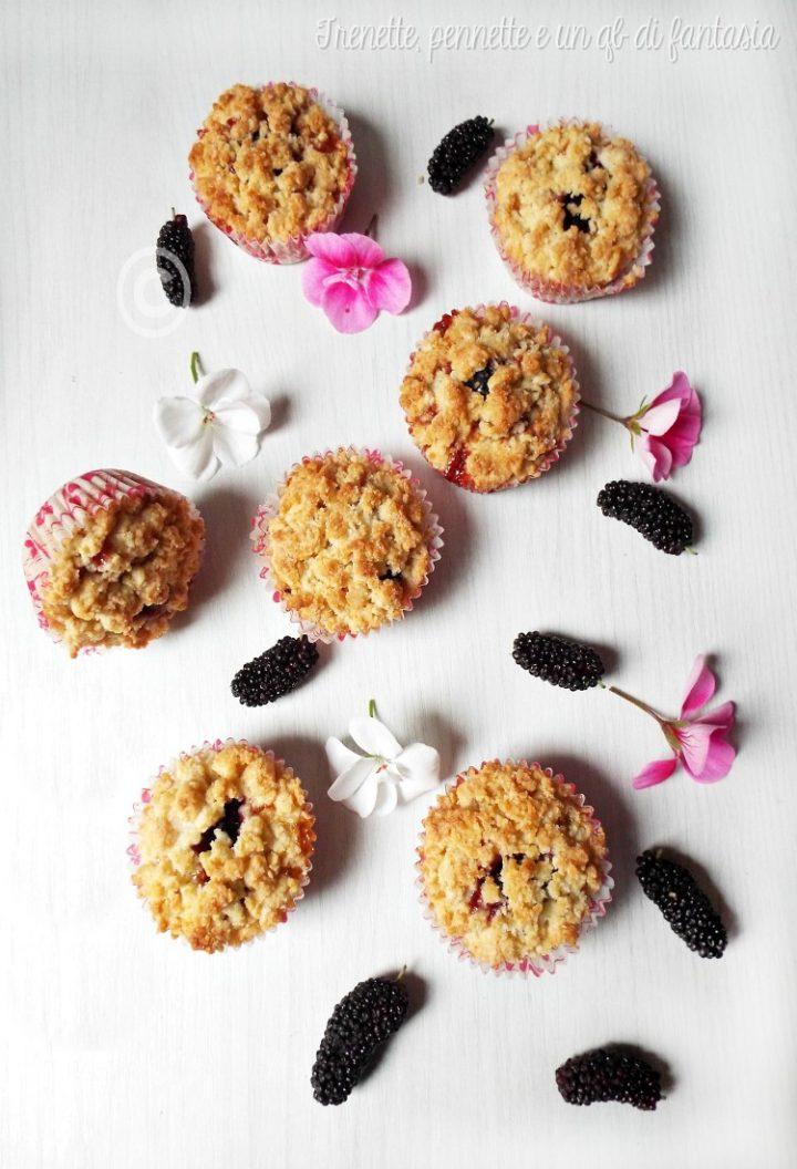 Muffin sbriciolati albicocche e more gelsi