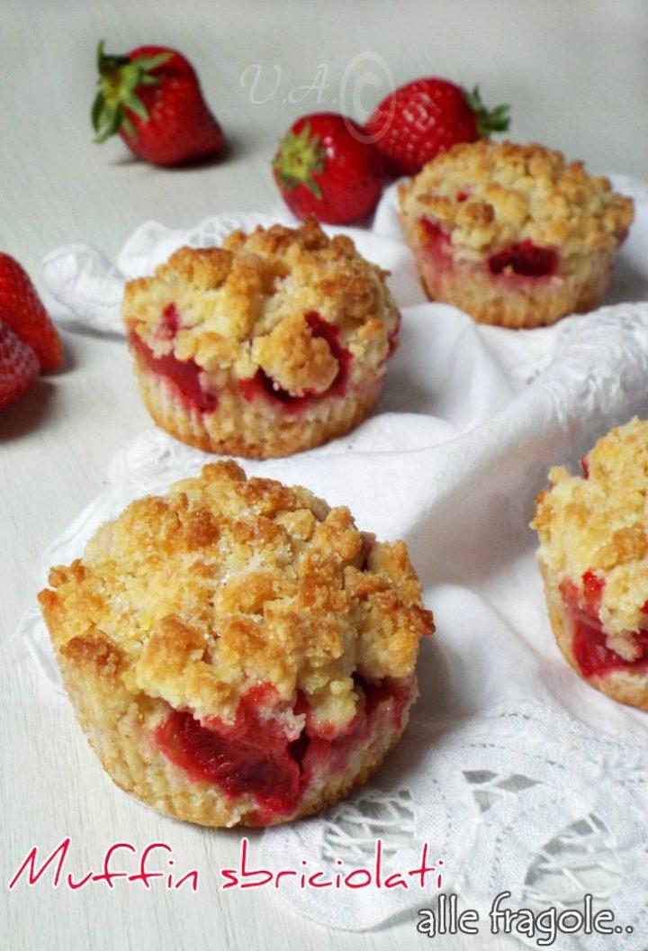 Muffin sbriciolati con fragole