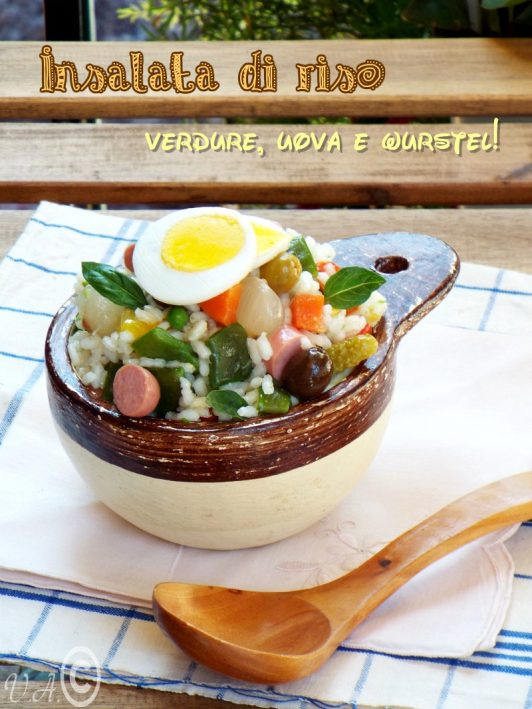 Insalata di riso verdure, uova e wurstel