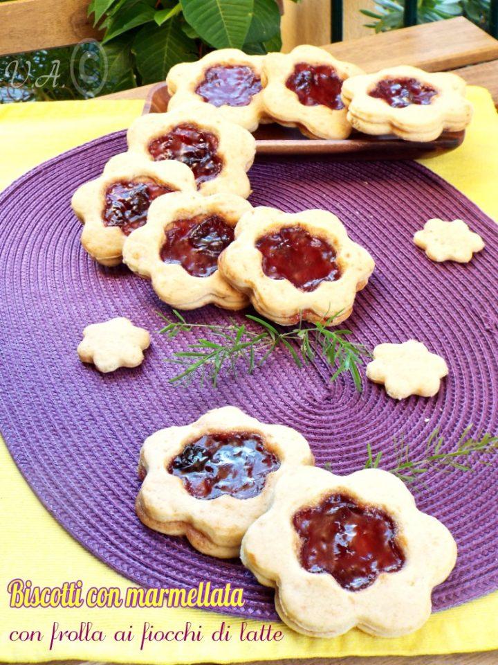 Biscotti alla marmellata con fiocchi di latte