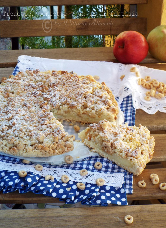 Sbriciolata di cheerios con crema e mele