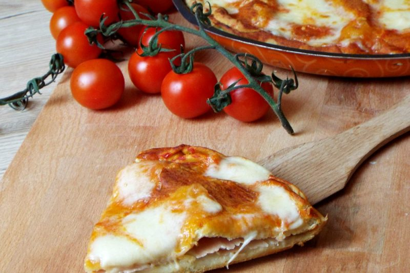 Pizza senza lievito e senza bilancia