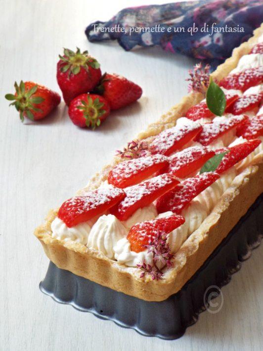 Crostata con fragole e crema al