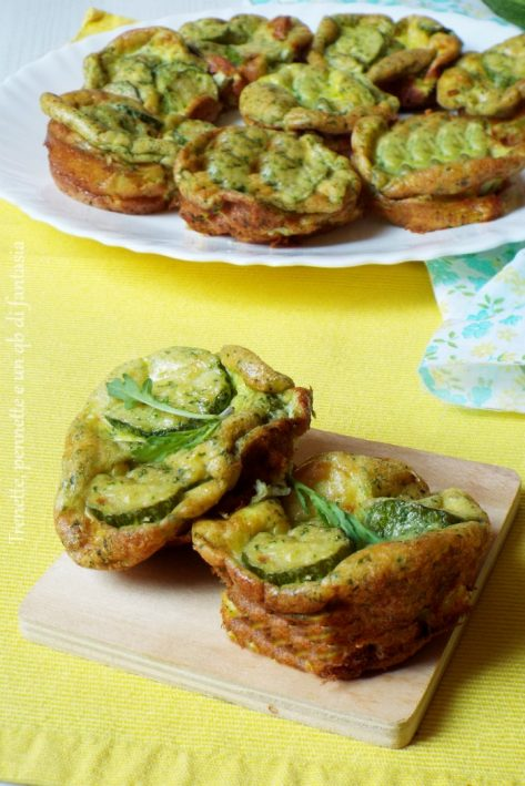 Frittatine al forno con zucchine e pesto