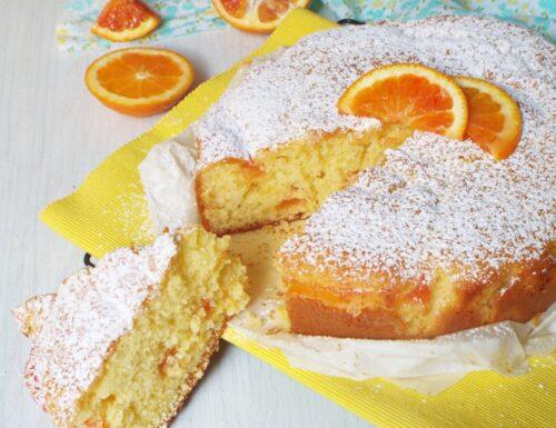 Torta soffice con crema all'arancia senza latte e uova