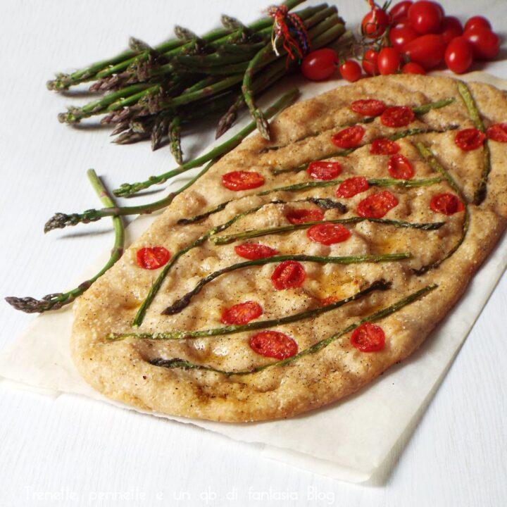 Pizza con asparagi