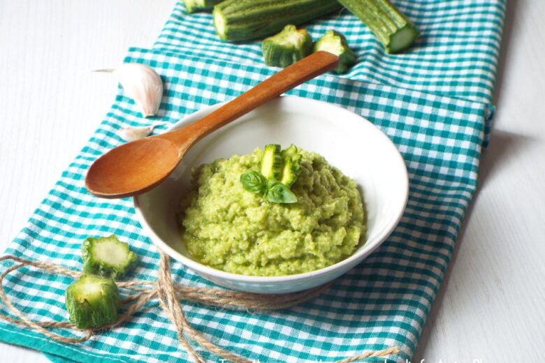 Pesto con scarti di zucchine